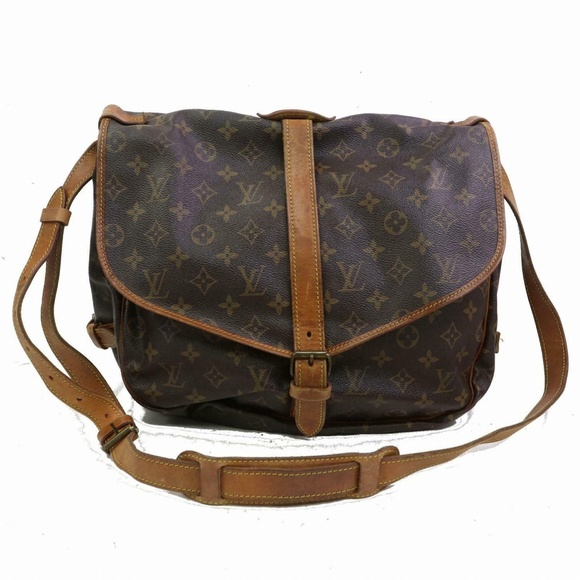 Louis Vuitton Handbags - Auth Louis Vuitton Saumur 35 Crossbody #1401L20